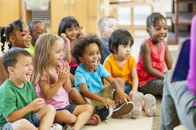 Kids in kindergarten (photo)
